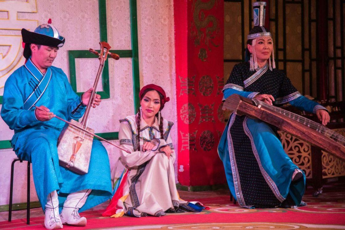 Chants de gorge mongols et musique traditionnels