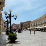 Syracuse, grand place du Duomo