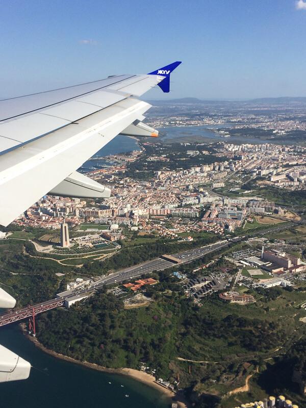 Lisbonne - Arrivée en avion sous le soleil