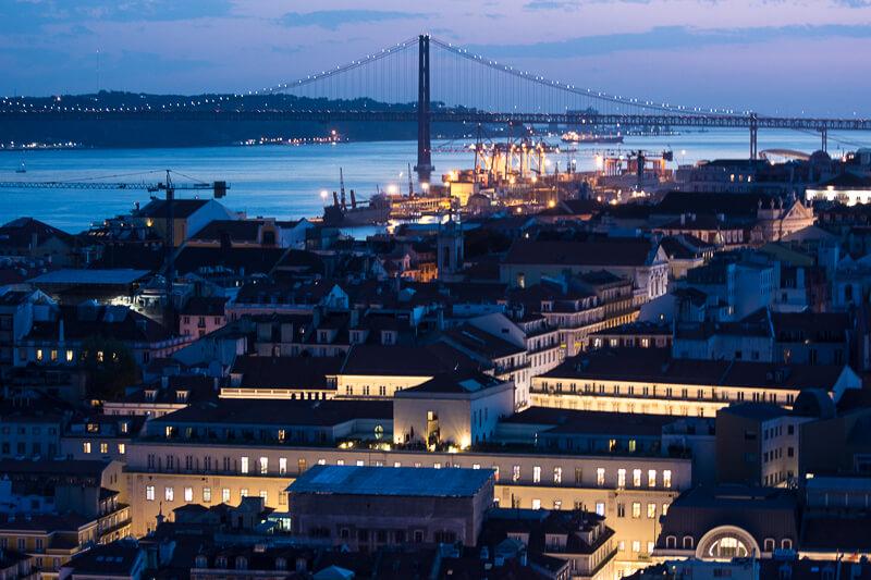 Lisbonne - Château Saint Georges, y attendre les lumières de la vllle
