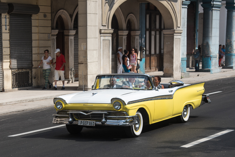 Cuba-La Havane- vieille voiture américaine
