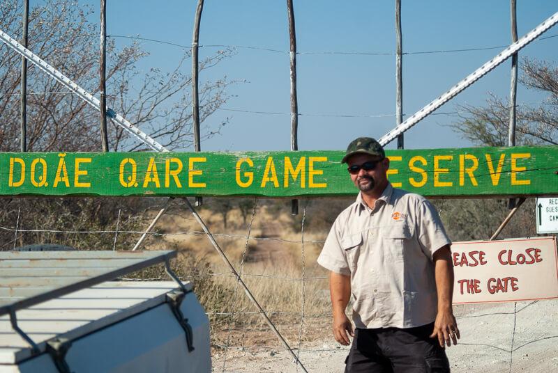 Afrique australe - Botswana, entrée de la réserve du Kalahari Kalahari