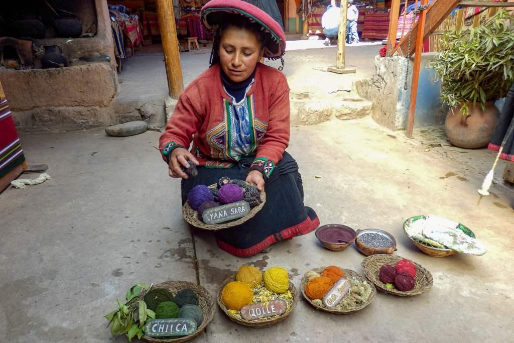 Pérou, Vallée sacrée - Chinchero, colorants naturels