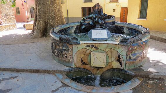 France- Arrière pays de Collioure, Céret - fontaine en hommage à Picasso