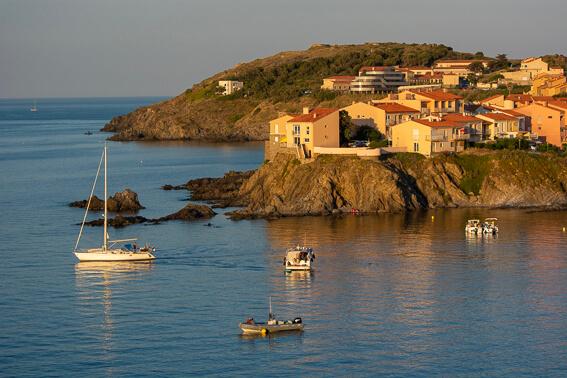 France - Baie de Collioure, les Roches Bleues