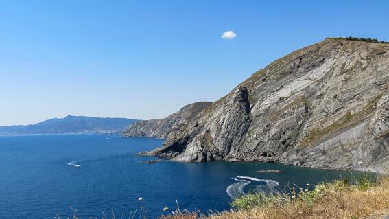 France - Côte Vermeille, la côte espagnole depuis le cap Cerbère
