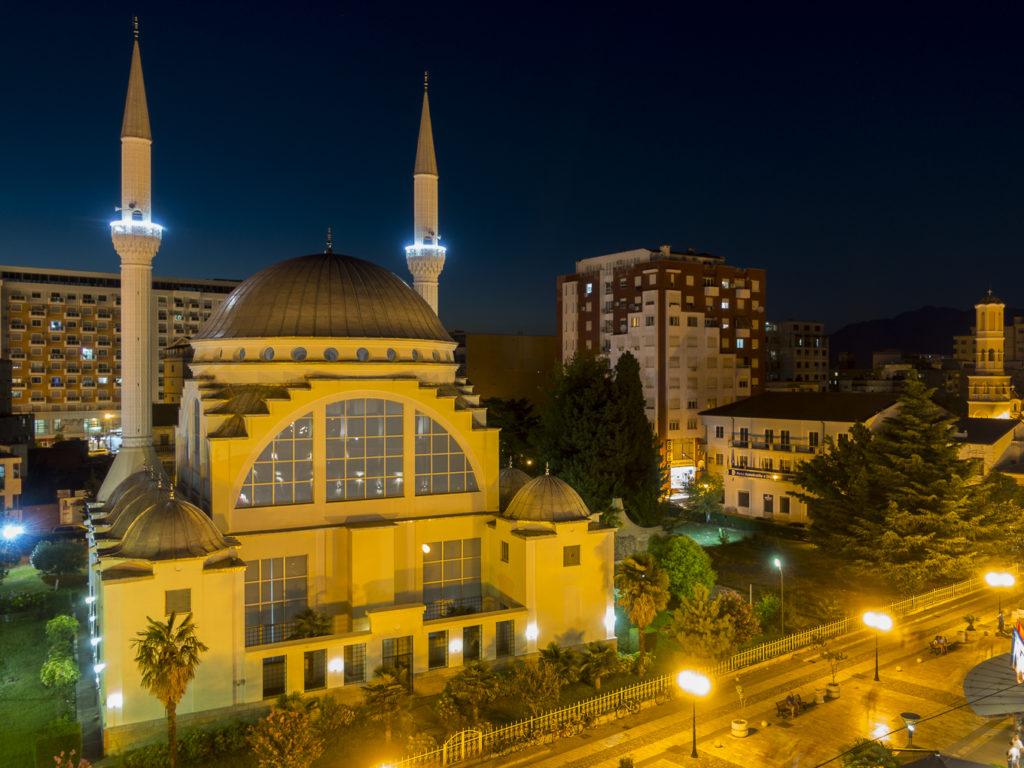Moschee im abendlichen Shkoder