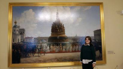 Posing with Novgorod-inspired art