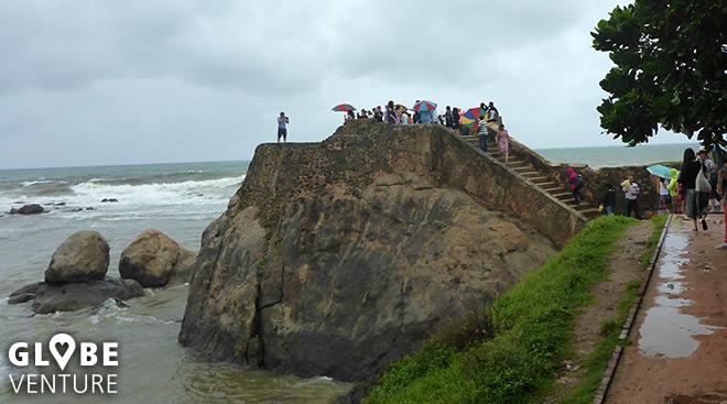 Galle Fort lockt auch bei schlechtem Wetter viele Besucher an