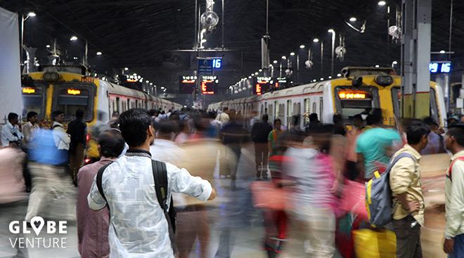 Indien Zugfahren Bahnhof Mumbai