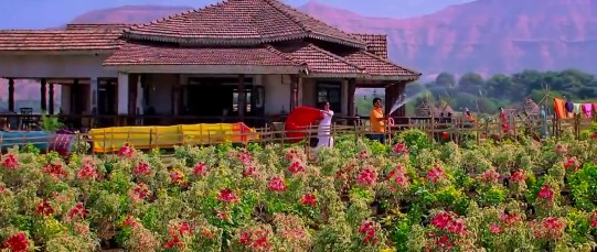 Traditional Tamil House (Chennai Express Movie) Photo: T-Series