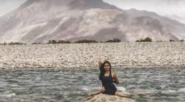 India-women-yoga