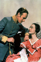Olivia de Havilland et Leslie Howard