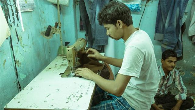 Artisan's in India's Dharavi slum can now sell their work online