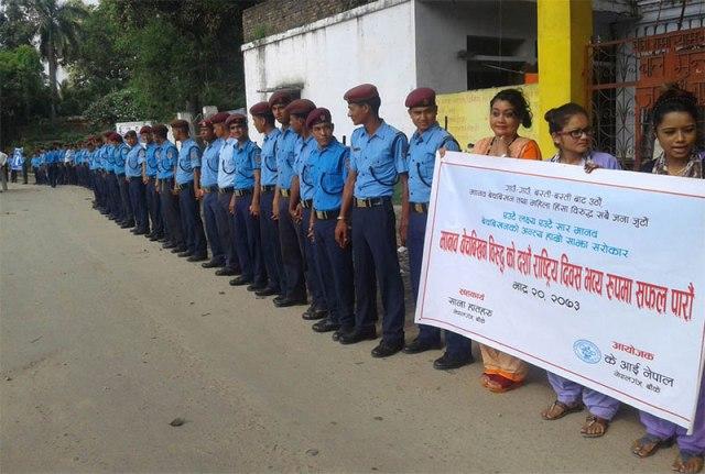 Human chain agains human trafficking 5