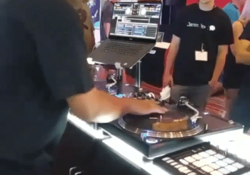 Highlights of @djwaxspinner_215 in #AC at #djexpo2018