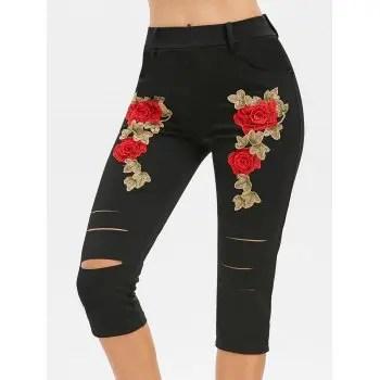 Floral Applique Pocket Capri Pants