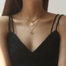 PUVOS Lady Hollow-out Star Necklace Fashion Design Personality With Retro Style Zircon Clavicle Chain