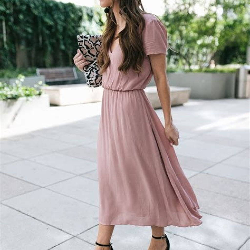 Adorable Fall Wedding Guest Outfits Ideas 15