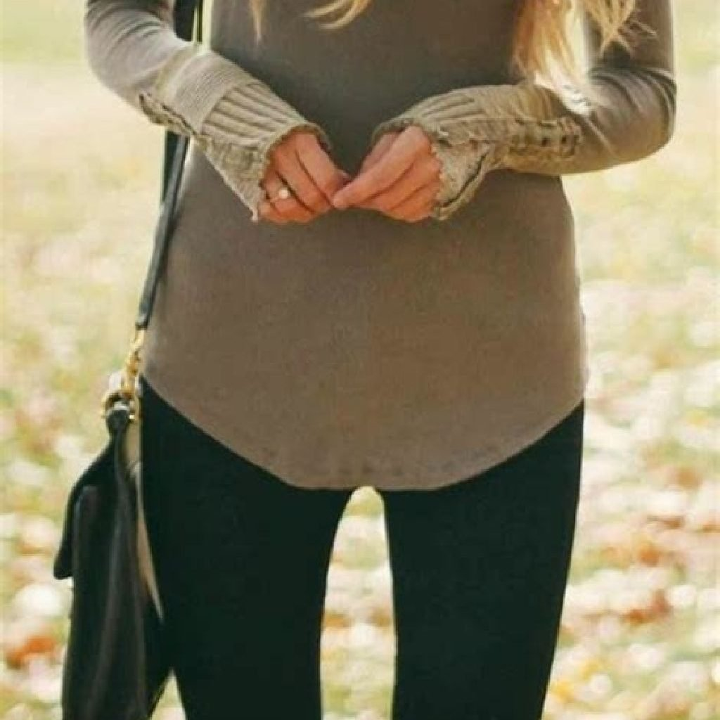 Adorable Sweater Style Ideas For Your Fall Season 26