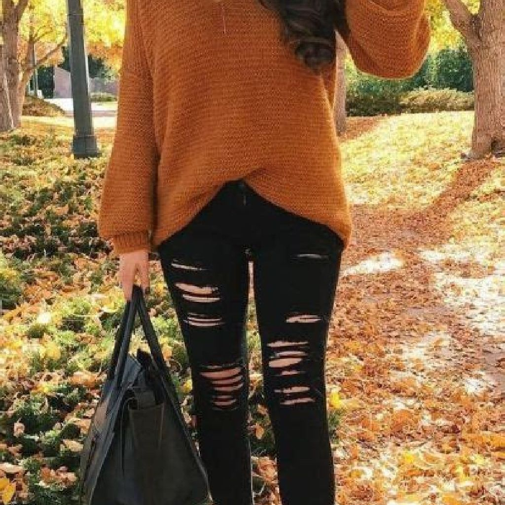 Adorable Sweater Style Ideas For Your Fall Season 33