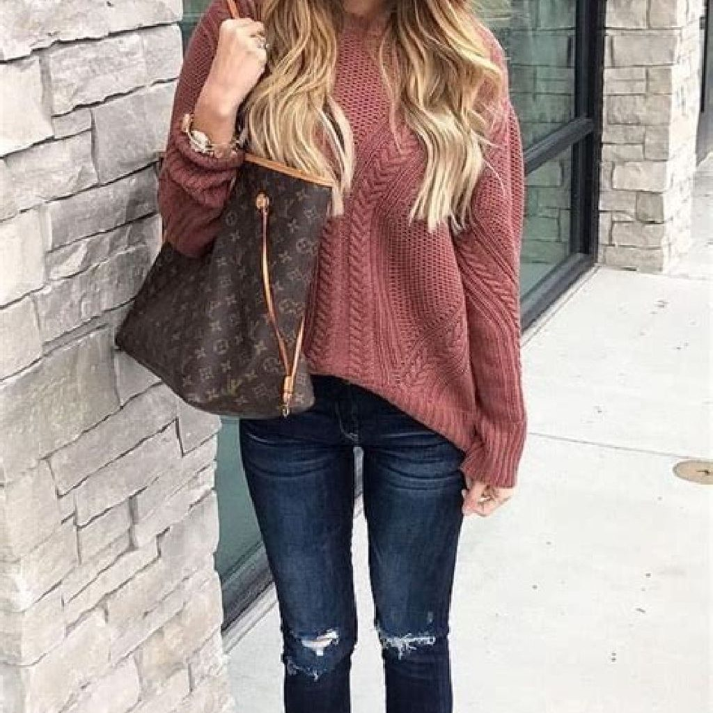 Chic Sweater Combination Ideas Suitable For Fall And Winter 38