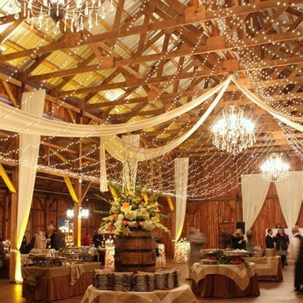 Romantic Rustic Wedding Decor Ideas 17