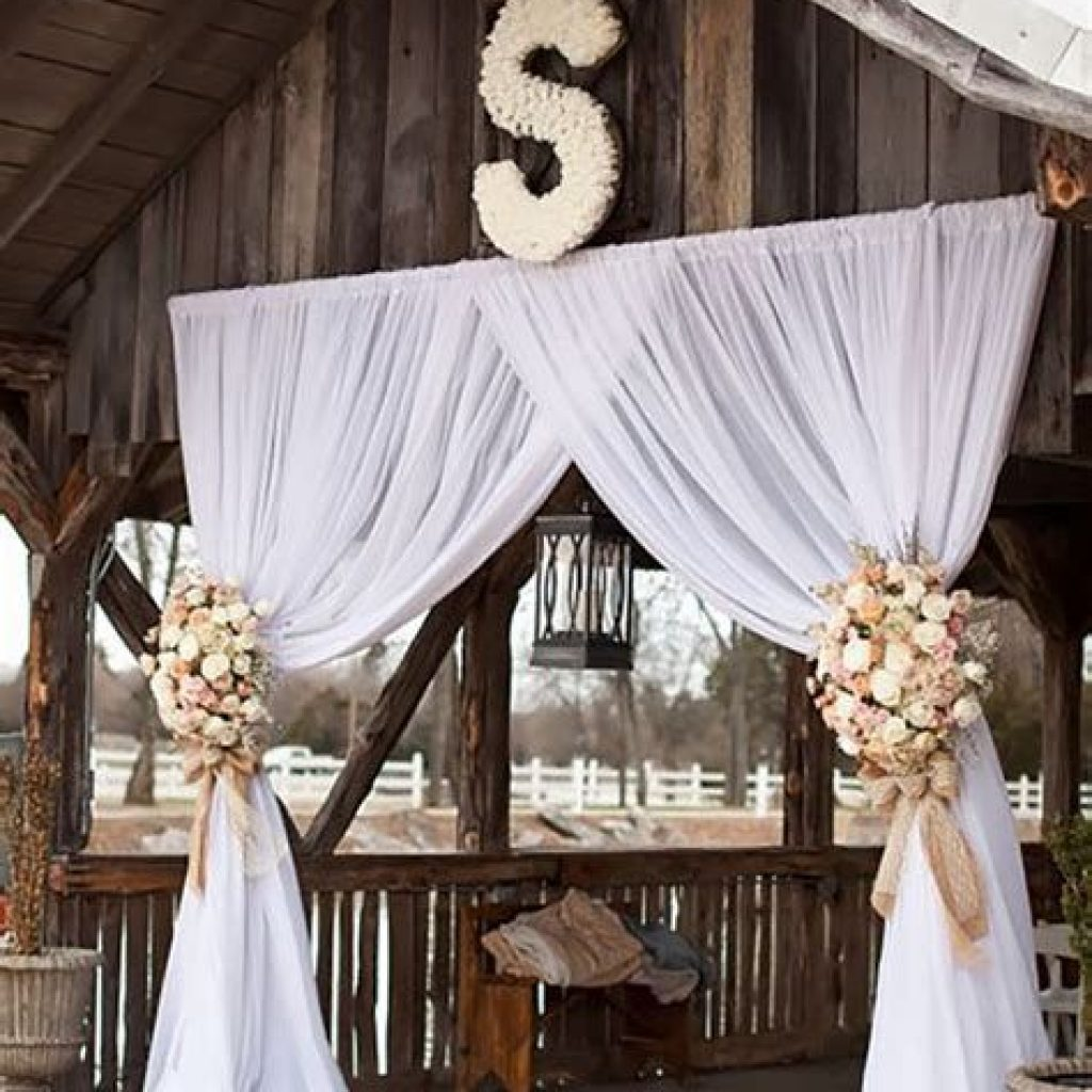 Romantic Rustic Wedding Decor Ideas 26