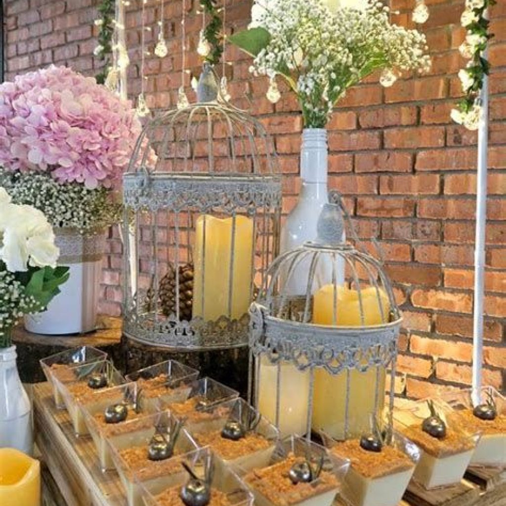 Romantic Rustic Wedding Decor Ideas 40