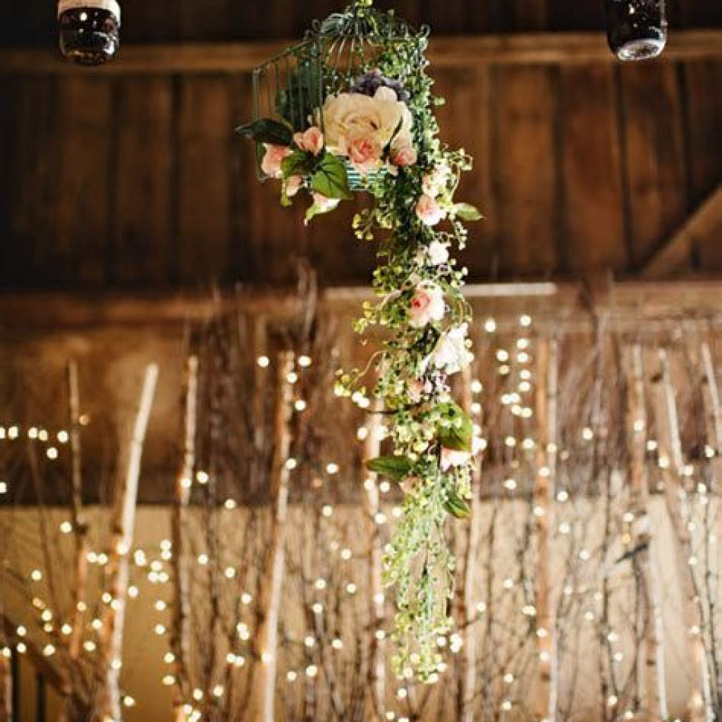 Romantic Rustic Wedding Decor Ideas 43