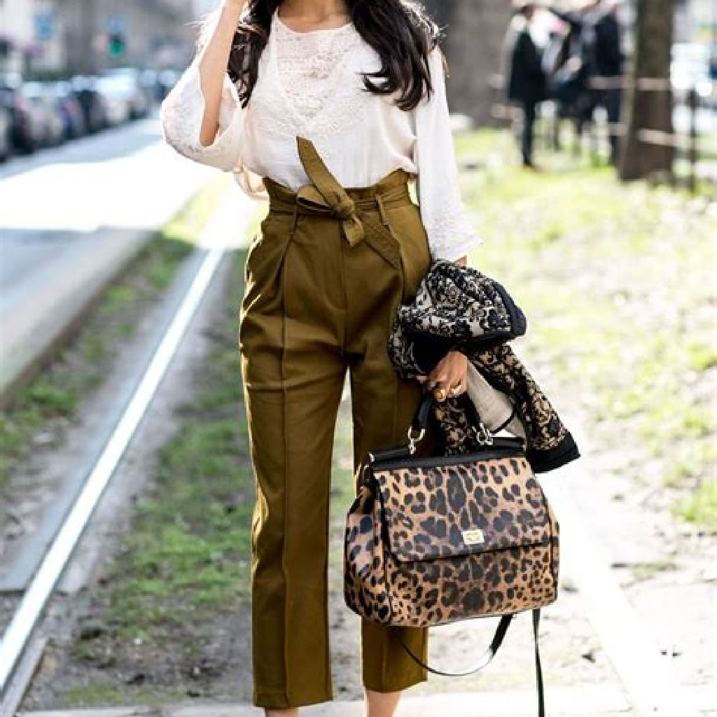 Stunning Fall Street Style Outfits Ideas For Women To Upgrade Your Look 25