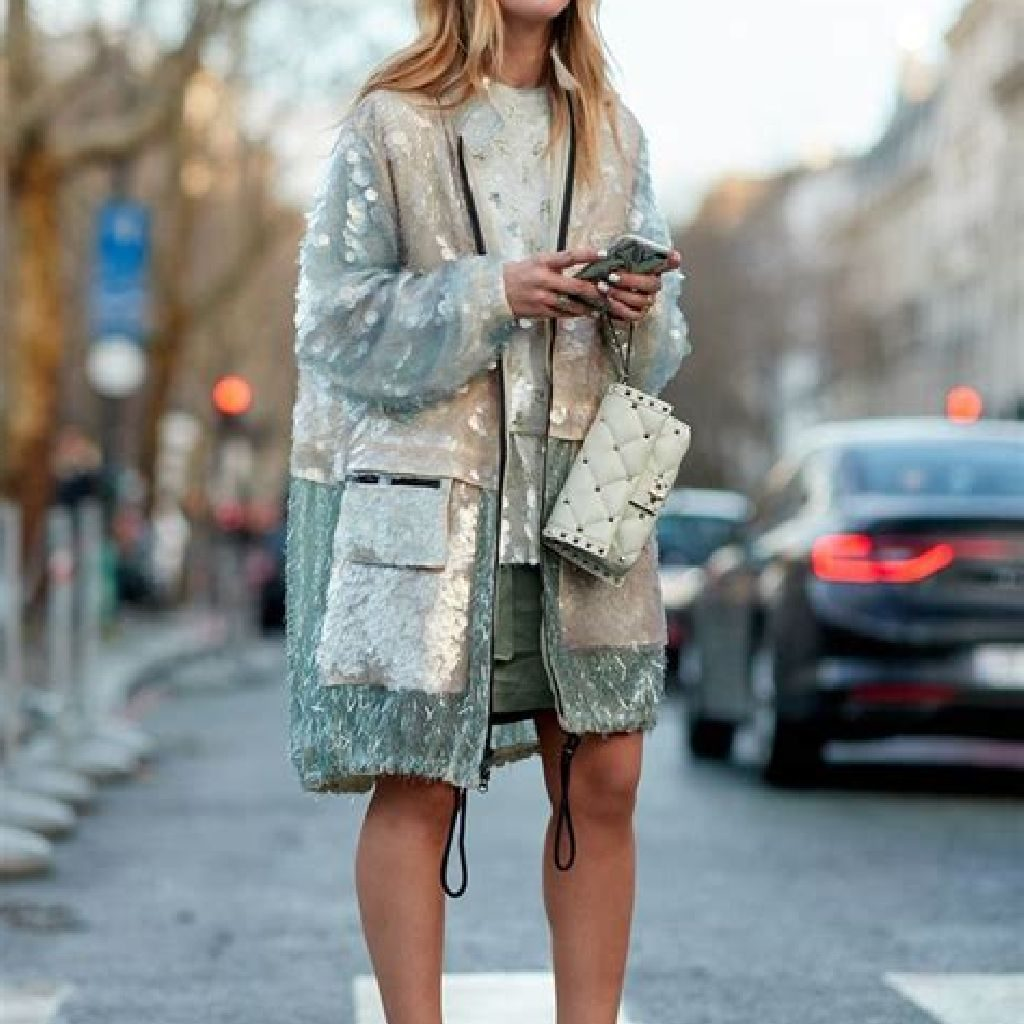 Stunning Fall Street Style Outfits Ideas For Women To Upgrade Your Look 36