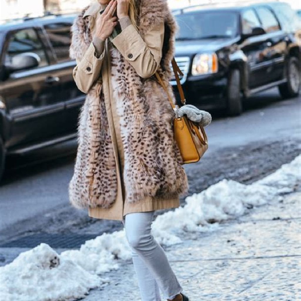 Stunning Fall Street Style Outfits Ideas For Women To Upgrade Your Look 42