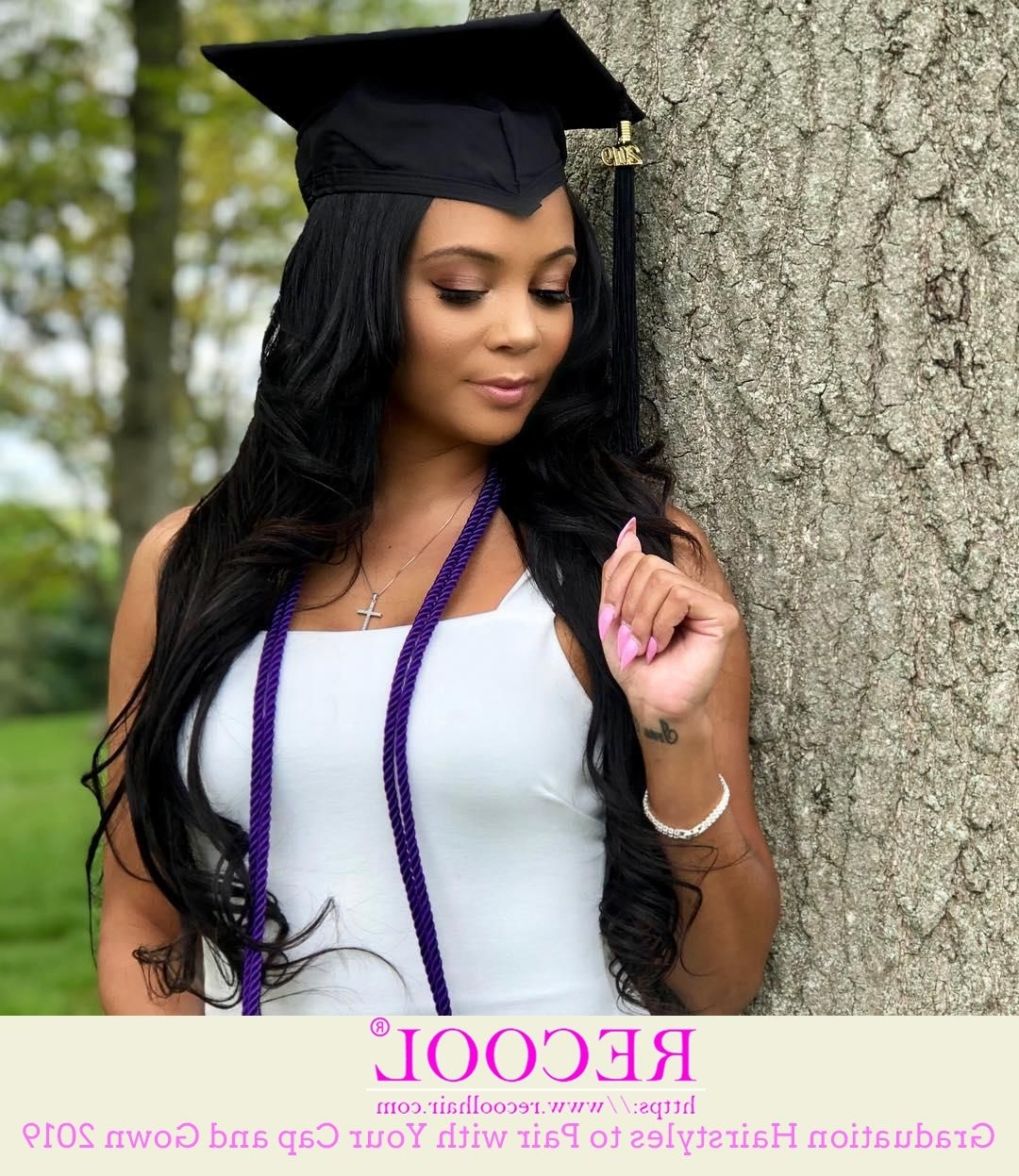 10 Gorgeous Graduation Hairstyles To Pair With Your Cap And Graduation Hairstyles For Medium Length Hair With Cap