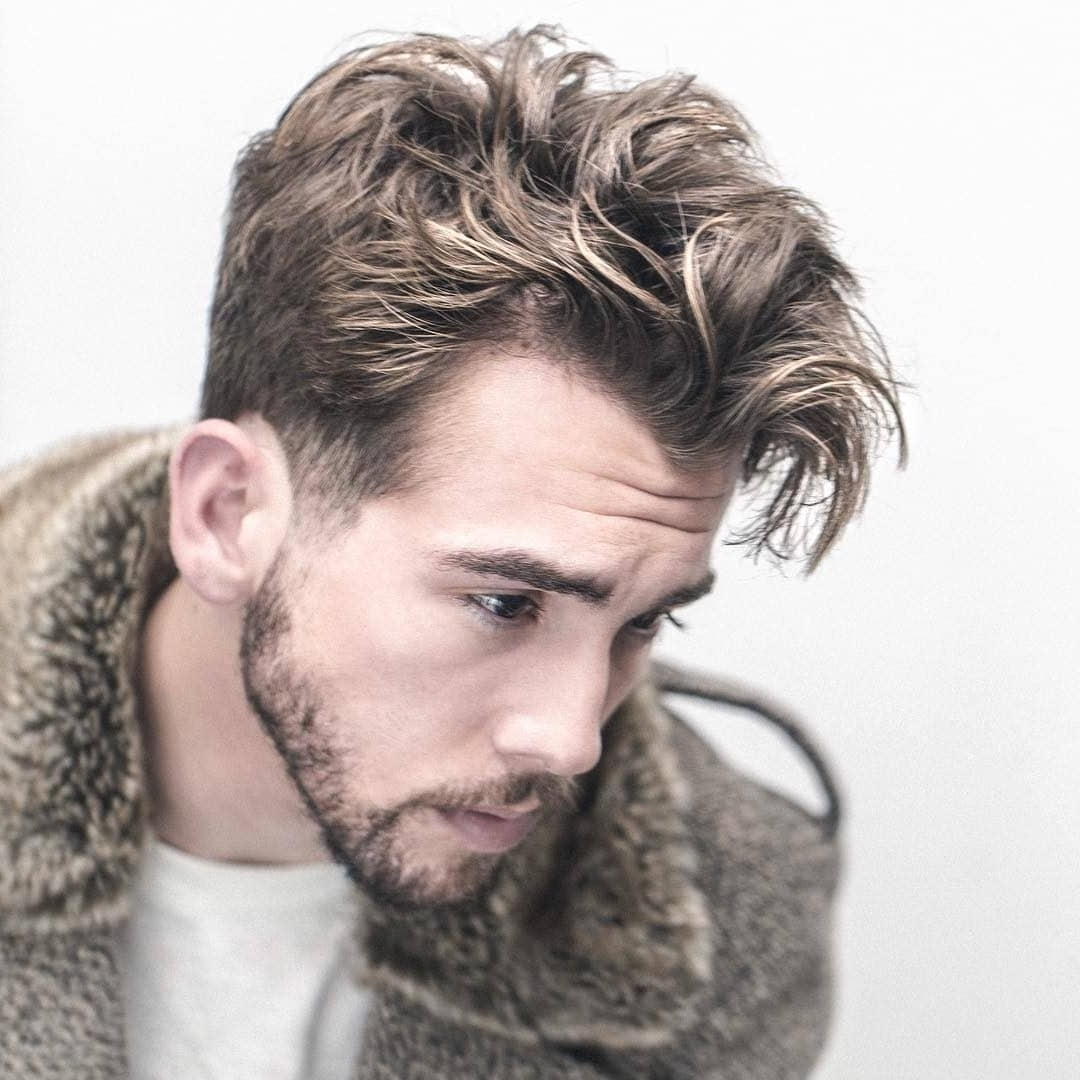 17+ Messy Hairstyles For Men > Super Cool Styles For 2020 Messy Hairstyles For Medium Hair Guys