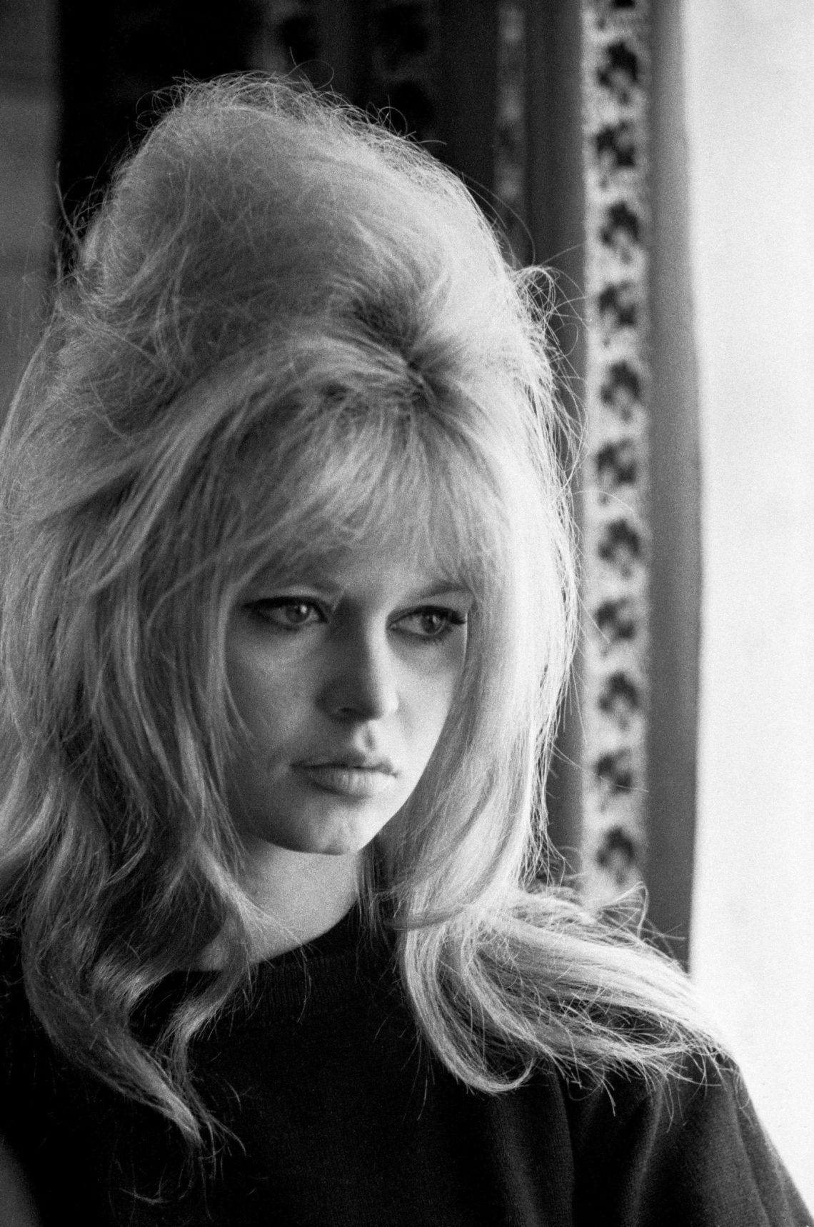 19 Best '60S Hairstyles For Retro Lovers | Stylish '60S Hair 60S Medium Length Hairstyles