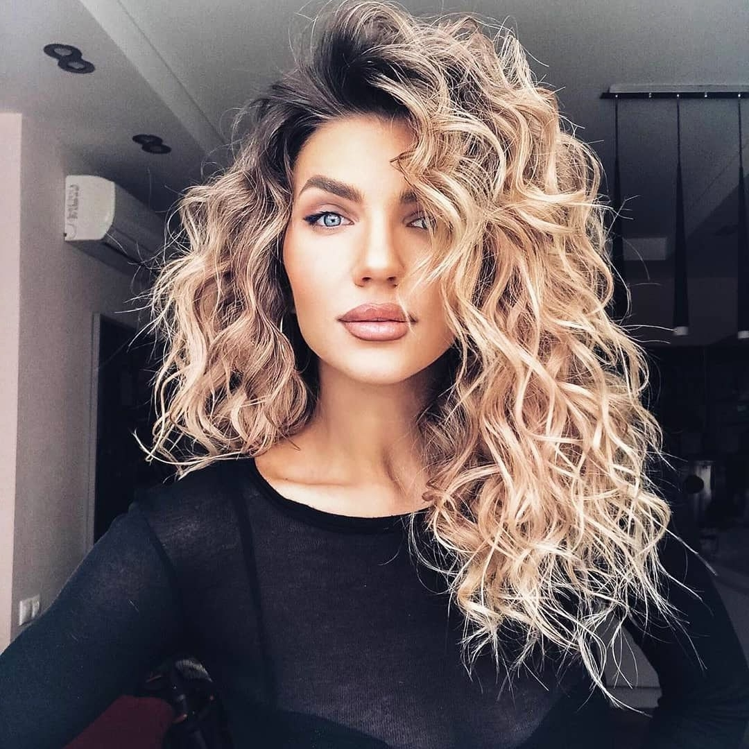 31 Easy Hairstyles For Medium Curly Dyed Hair Highlights In Medium Curly Hairstyles For Women