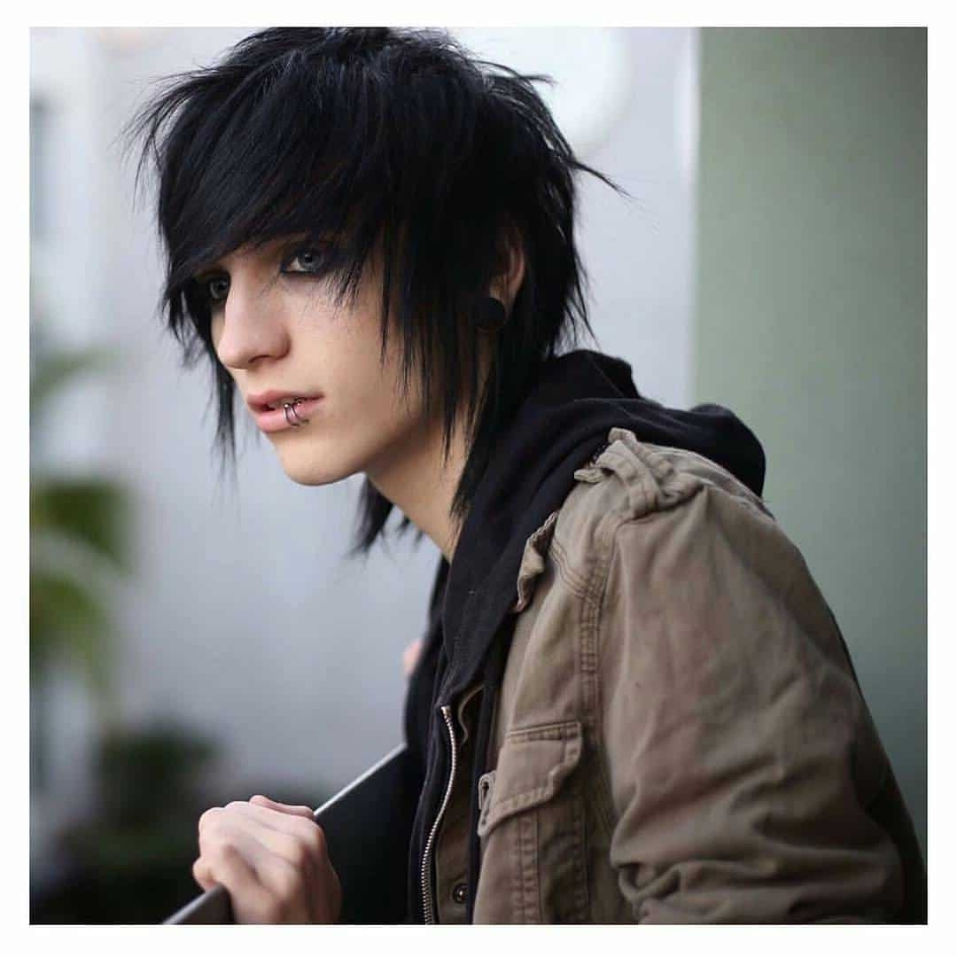 50 Cool Emo Hairstyles For Guys Creative Ideas Medium Length Emo Hairstyles For Guys