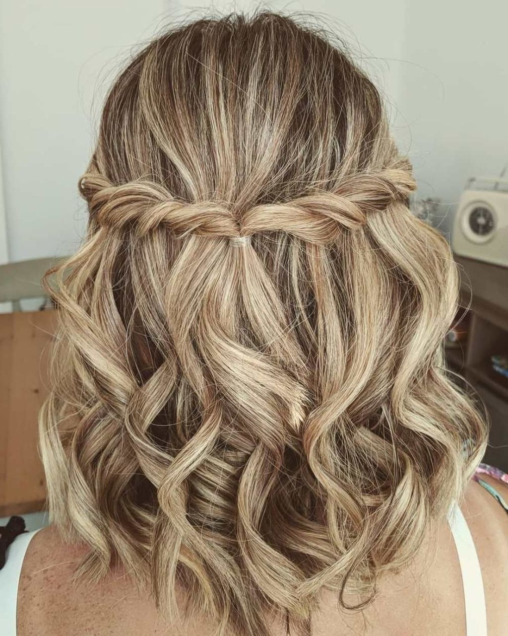 50 Newest Short Formal Hairstyles Ideas For Women | Updos Hairstyles For Graduation For Medium Length Hair