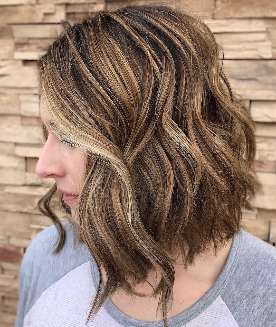 60 Medium Length Haircuts And Hairstyles To Pull Off In 2020 Highlighted Medium Length Hairstyles