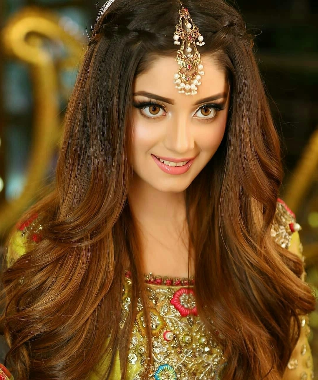 Alizy #Eyemakeuptips   Engagement Hairstyles, Indian Wedding 20+ Awesome Open Hairstyles For Medium Hair Indian