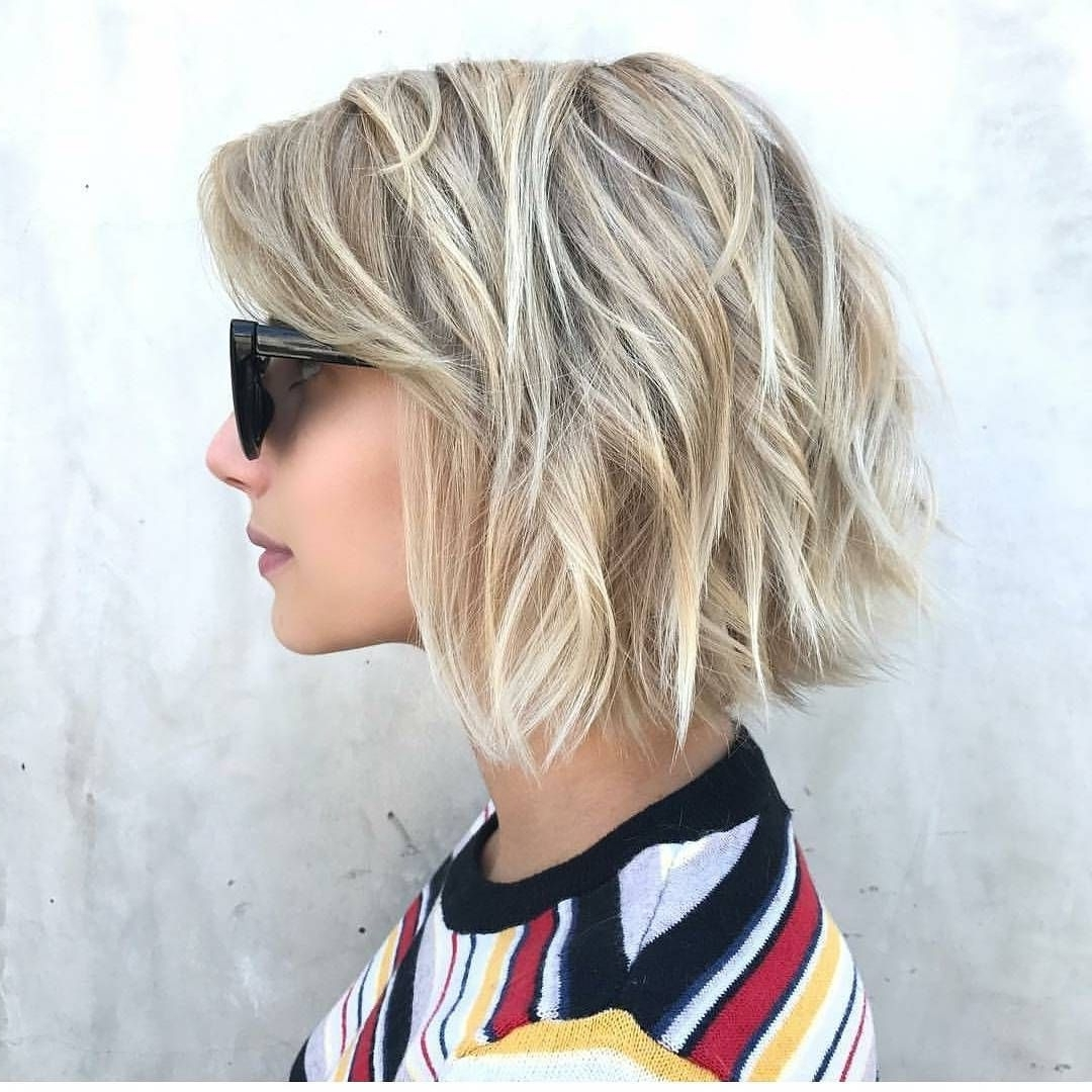 Chic Medium Bob Haircut For Women, Shoulder Length Bob Low Maintenance Medium Length Hairstyles