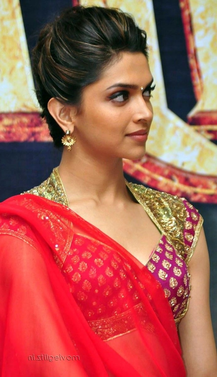 Hairstyles For Saree 20 Cute Hairstyles To Wear With Saree 10+ Stunning Hairstyle On Saree For Medium Hair