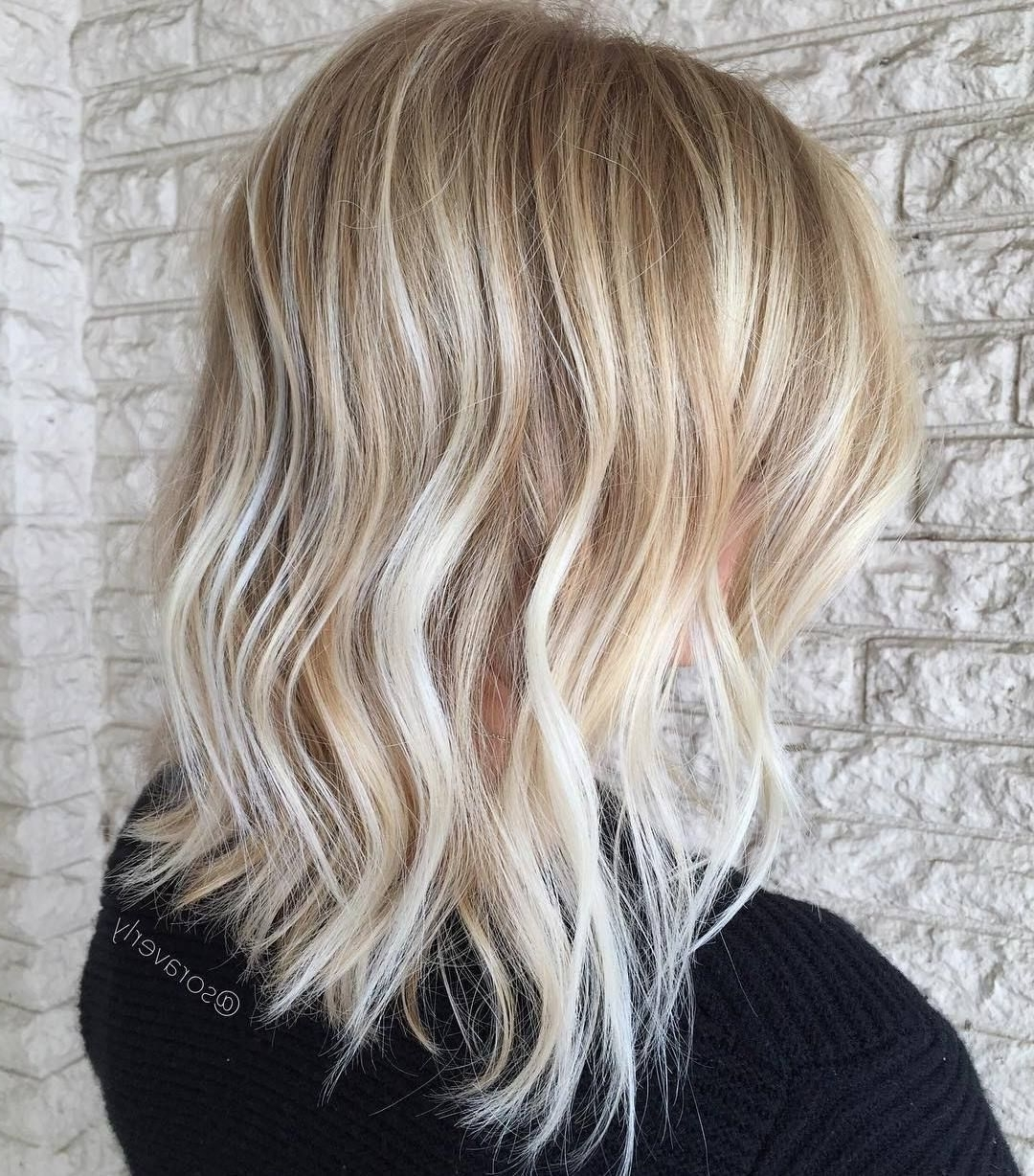 Pin On Ap Hair Medium Length Blonde Hairstyles Straight