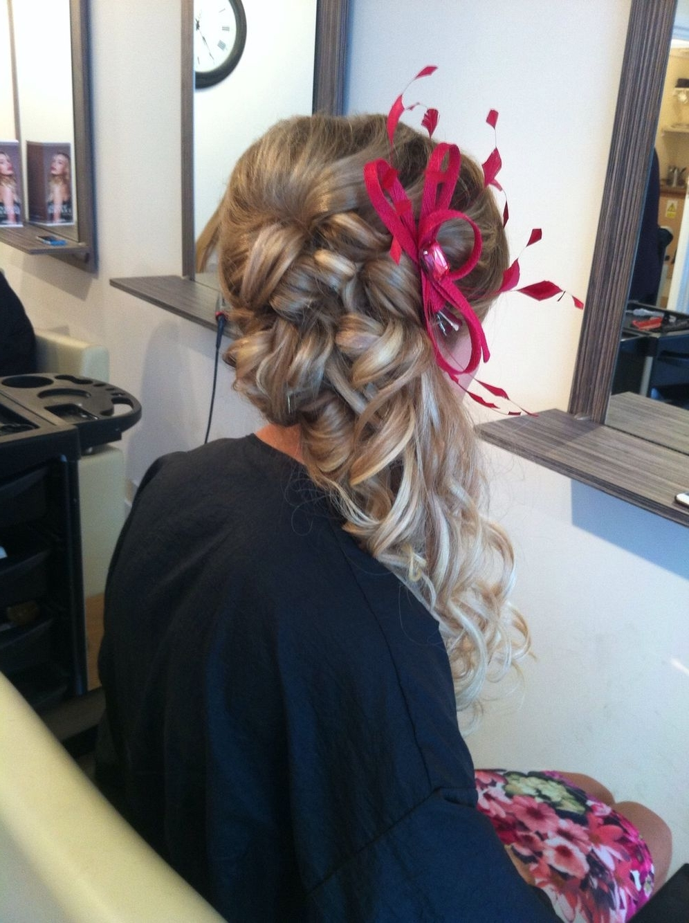 Pin On Wedding Medium Length Hair Hairstyles With Fascinators