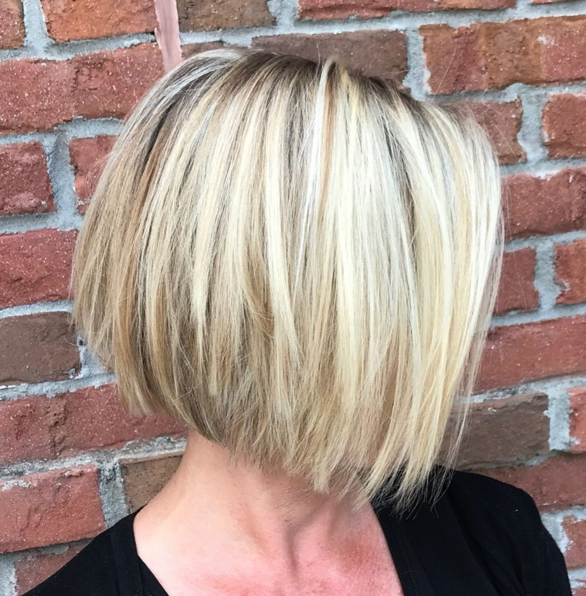 Slanted Jaw Length Bob For Straight Hair | Edgy Bob Haircuts 40+ Stylish Medium Length Choppy Bob Hairstyles