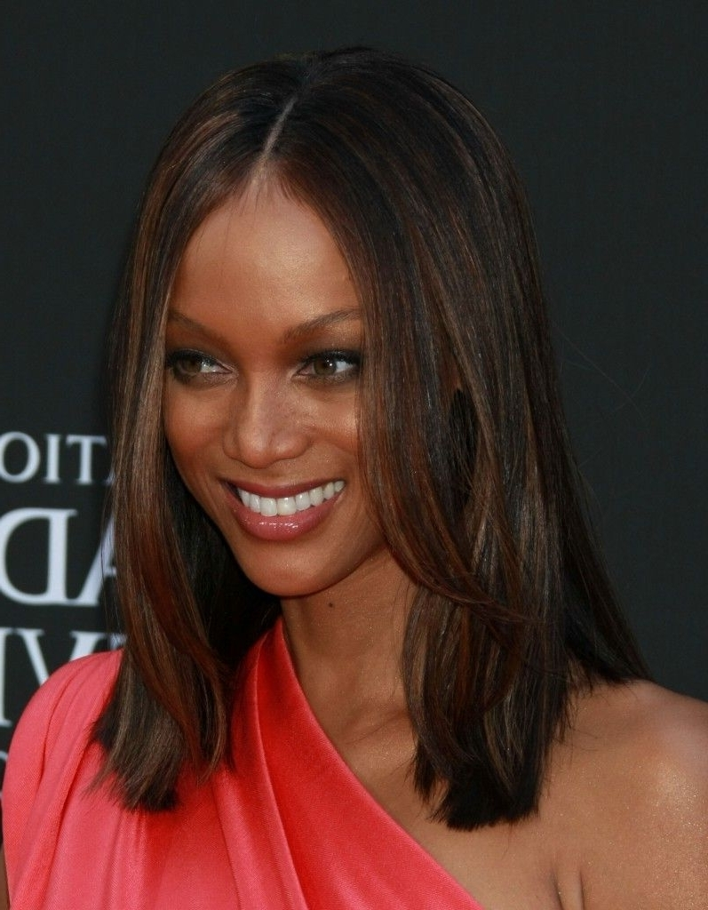 Tyra Banks Shoulder Length Hairstyle   One Length Hair 40+ Stylish Tyra Banks Medium Hairstyles