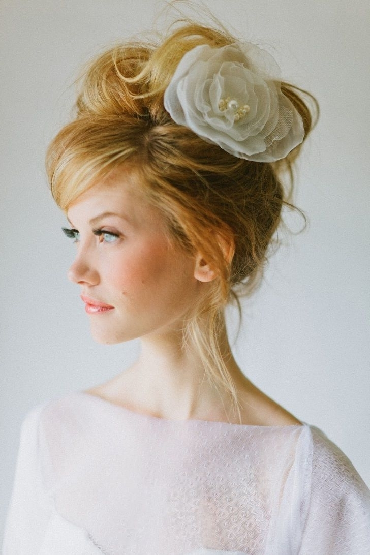 Wedding Hair Updos With Fascinator, Wedding Hair Updos For 30+ Adorable Medium Length Hair Hairstyles With Fascinators