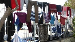 Roba estesa refugiats Xios. Foto: gloriacondal