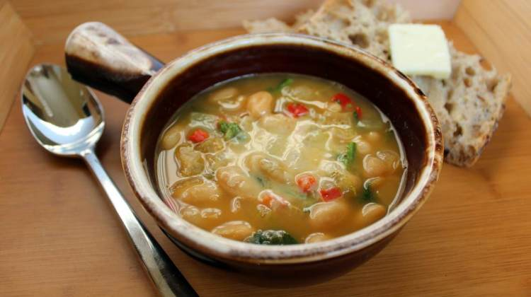 how-to-make-creamy-tuscan-bean-and-chicken-soup